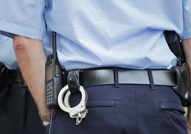 Protéger sa famille dans les métiers dangereux : le cas des policiers