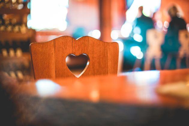 dossier chaise forme cœur